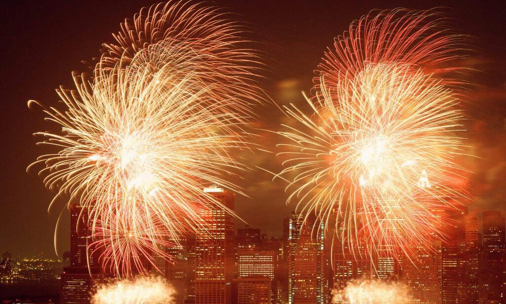 Fireworks-Display,-New-York-City