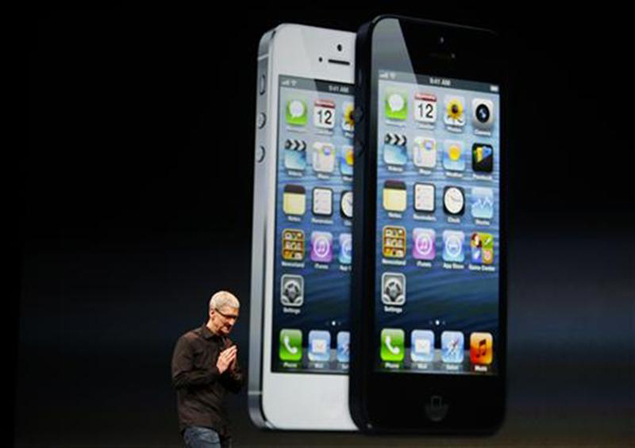 NEW-APPLE-IPHONE-5-LAUNCH-TIM-COOK