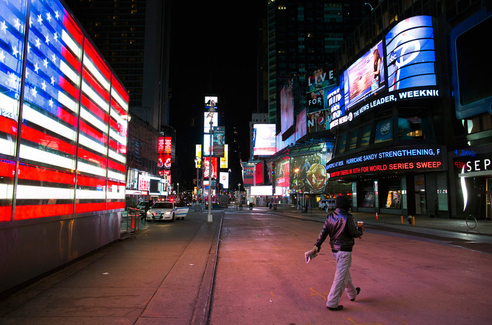 Right before the storm, almost nobody was there in Times Square.