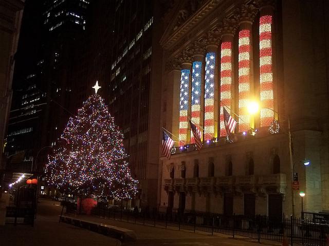 800px-NYSE-Christmas