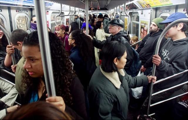 crowded_subway