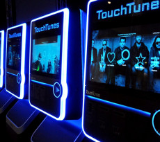 frogdesign_touchtunes_virtuo_carousel_05_0